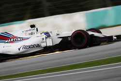 Felipe Massa, Williams FW40, strikes up sparks