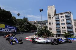Pascal Wehrlein, Sauber C36-Ferrari, Lance Stroll, Williams FW40, Marcus Ericsson, Sauber C36, Jenson Button, McLaren MCL32, on the formation lap