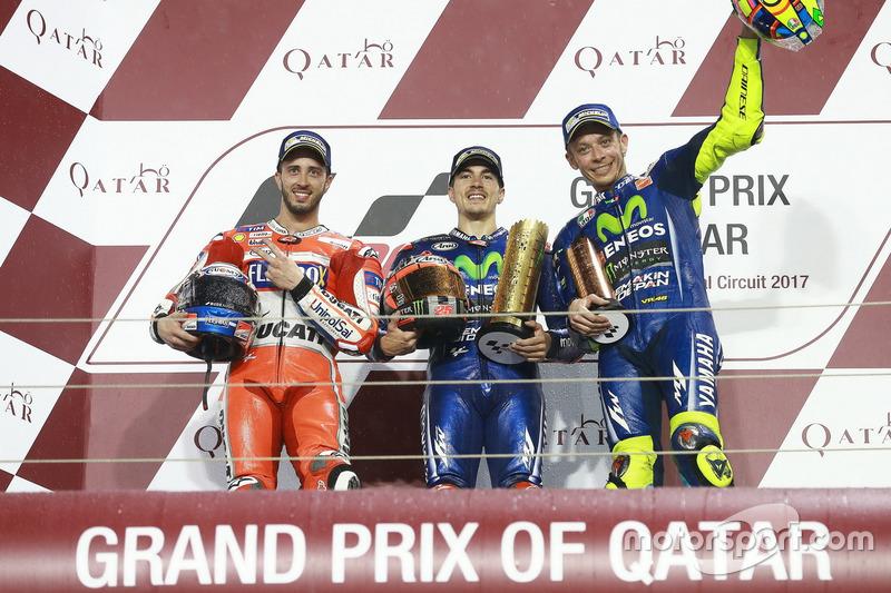 Maverick Viñales vainqueur devant Andrea Dovizioso et Valentino Rossi