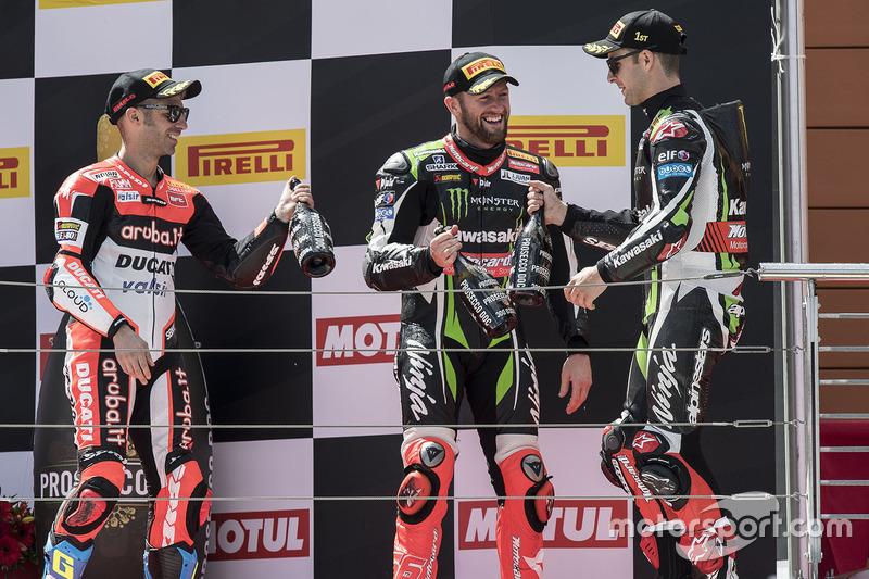 Podium: 1. Jonathan Rea, Kawasaki Racing; 2. Marco Melandri, Ducati Team; 3. Tom Sykes, Kawasaki Rac