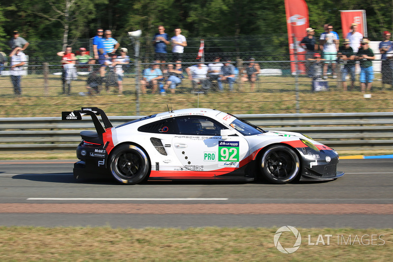 38. №92 Porsche Team Porsche 911 RSR: Микаэль Кристенсен, Кевин Эстре, Дирк Вернер