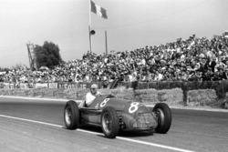 Yarış galibi Juan Manuel Fangio, Alfa Romeo 159A