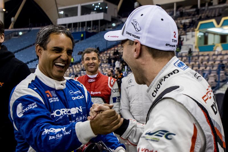 Juan Pablo Montoya del equipo Latinoamérica y Timo Bernhard del equipo Alemania
