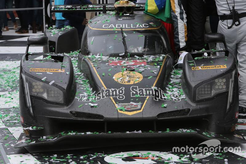 Переможці #5 Action Express Racing Cadillac DPi: Жоао Барбоза, Філіпе Альбукерк, Крістіан Фіттіпальді