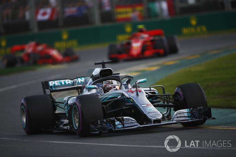 Lewis Hamilton, Mercedes AMG F1 W09, Kimi Raikkonen, Ferrari SF71H, and Sebastian Vettel, Ferrari SF