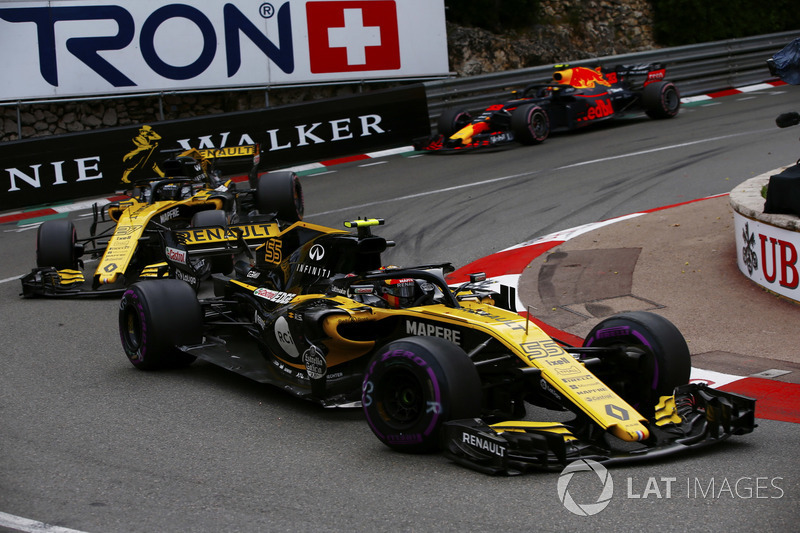 Carlos Sainz Jr., Renault Sport F1 Team R.S. 18, Nico Hulkenberg, Renault Sport F1 Team R.S. 18 y Max Verstappen, Red Bull Racing RB14