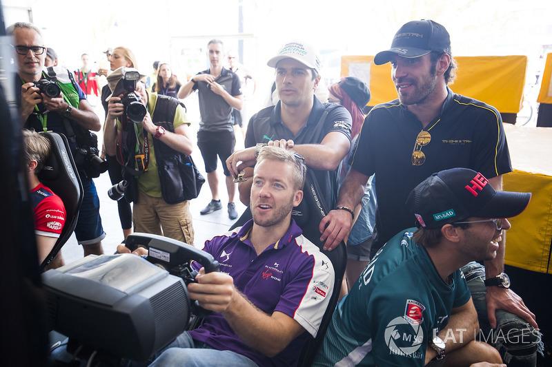 Sam Bird, DS Virgin Racing, Nelson Piquet Jr., Jaguar Racing, Jean-Eric Vergne, Techeetah, ad Antonio Felix da Costa, Andretti Formula E Team