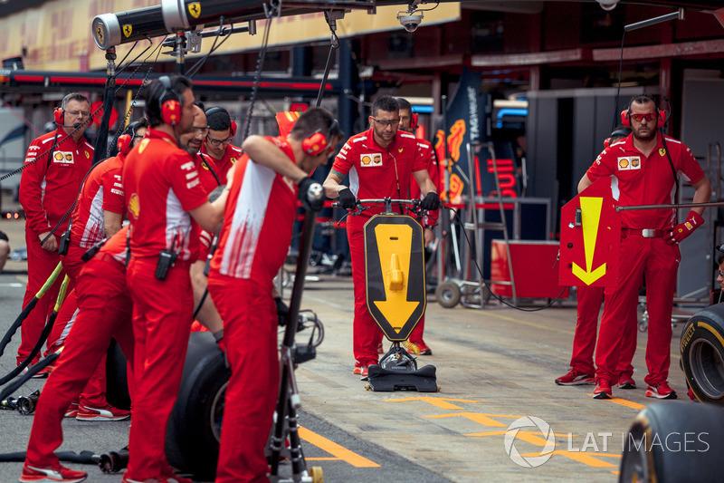 Práctica de parada en boxes de Ferrari