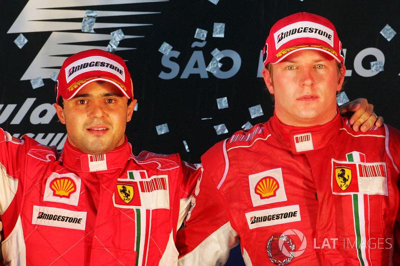 Podio: ganador de la carrera Felipe Massa, Ferrari y el tercer lugar Kimi Raikkonen, Ferrari