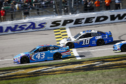 Aric Almirola, Richard Petty Motorsports Ford, Danica Patrick, Stewart-Haas Racing Ford