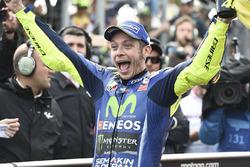 Друге місце Валентино Россі, Yamaha Factory Racing