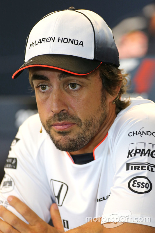 Fernando Alonso, McLaren Honda, tijdens de FIA-persconferentie