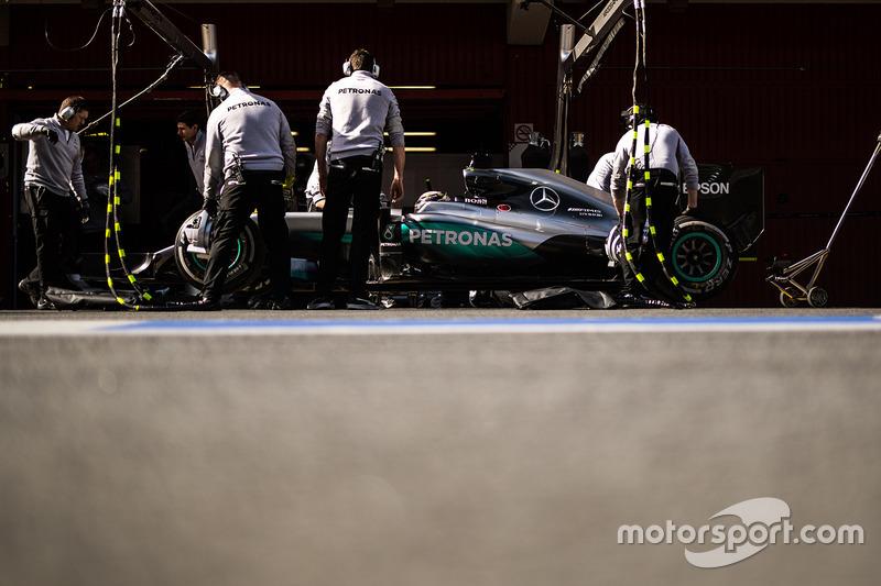 6. Lewis Hamilton, Mercedes AMG F1 W07 Hybrid