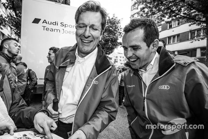 Директор Audi Sport Team Joest Ральф Юттнер і Бенуа Трелує
