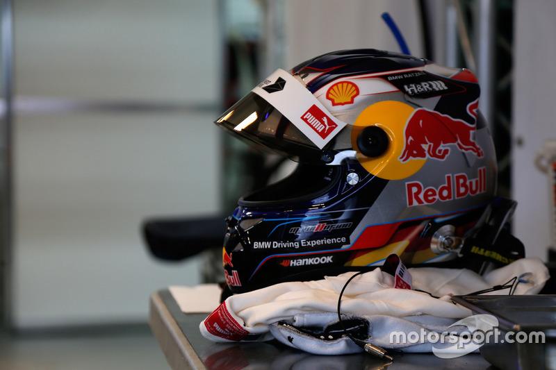 Helmet of Marco Wittmann, BMW Team RMG, BMW M4 DTM