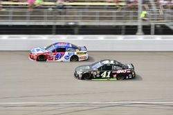 A.J. Allmendinger, JTG Daugherty Racing Chevrolet, Kurt Busch, Stewart-Haas Racing Chevrolet