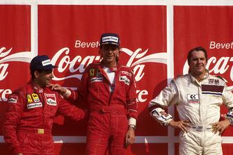 Podio: il vincitore Gerhard Berger, Ferrari, secondo Michele Alboreto, Ferrari F187, terzo Eddie Cheever, Arrows