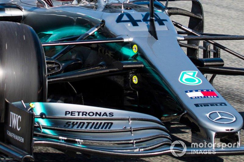 Lewis Hamilton, Mercedes AMG F1 W10 ön kanat ve burun