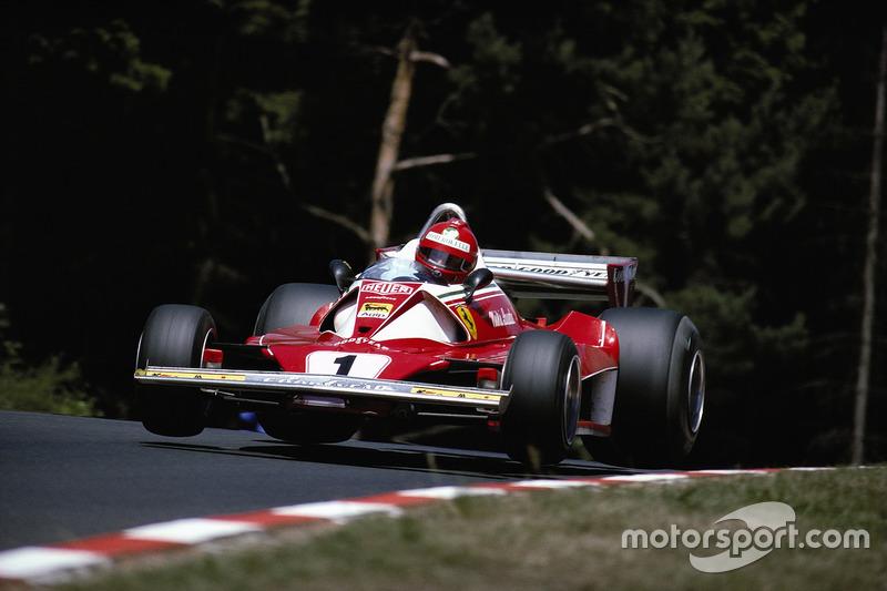 Em 76, Monza viu uma história de superação: Niki Lauda voltou à ativa poucos meses após quase morrer em Nurburgring. Mesmo ainda debilitado, completou a prova em quarto.