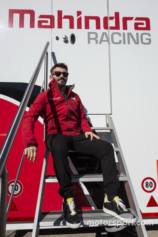 Max Biaggi nommé directeur de l'équipe Mahindra Racing en championnat d'Italie