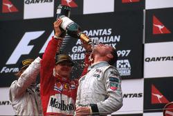 Podyum: yarış galibi David Coulthard, McLaren Mercedes; 2. sıra Michael Schumacher, Ferrari; 3. sıra Mika Hakkinen, McLaren Mercedes