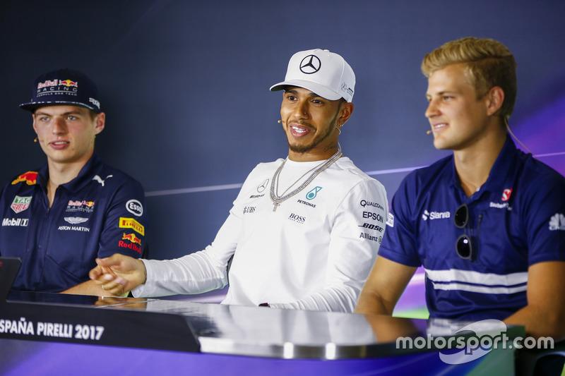 Max Verstappen, Red Bull Racing, Lewis Hamilton, Mercedes AMG F1, Marcus Ericsson, Sauber, in the pr