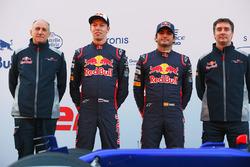 Franz Tost, jefe de equipo de Scuderia Toro Rosso, Daniil Kvyat, Carlos Sainz Jr., Scuderia Toro Rosso STR12, James Key, director técnico Scuderia Toro Rosso