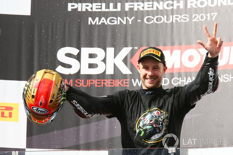 Il vincitore della gara e Campione 2017 Jonathan Rea, Kawasaki Racing