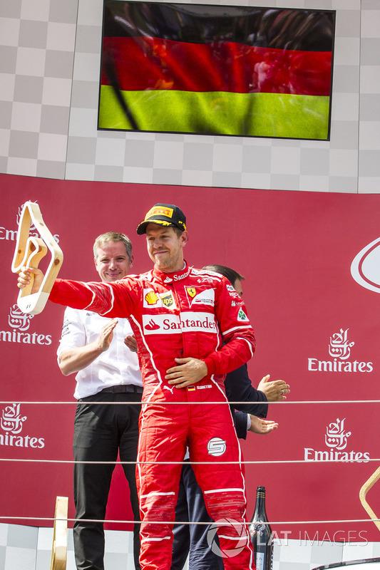 Подиум: Себастьян Феттель, Ferrari