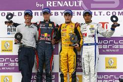 Podium: race winner Stoffel Vandoorne, Josef Kaufmann Racing, second place Daniil Kvyat, Koiranen GP, third place Guilherme Silva, Interwetten.com