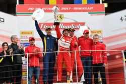 Podium Trofeo Pirelli AM