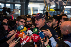 Carlos Sainz, Peugeot Sport speaks to the media