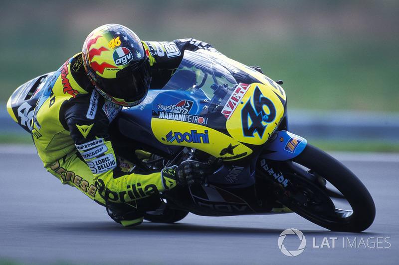1996: debut en el Campeonato del Mundo de 125cc con la Scuderia AGV Aprilia