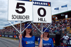 Gridgirls für Michael Schumacher, Benetton und Damon Hill, Williams