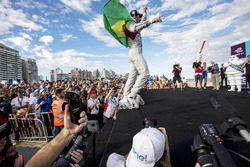 Lucas di Grassi, Audi Sport ABT Schaeffler, sur le podium