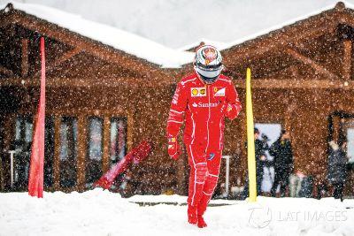 Kimi Raikkonen F1 Racing özel