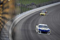 Chase Elliott, Hendrick Motorsports, Chevrolet Camaro NAPA Auto Parts, Daniel Suarez, Joe Gibbs Racing, Toyota Camry STANLEY