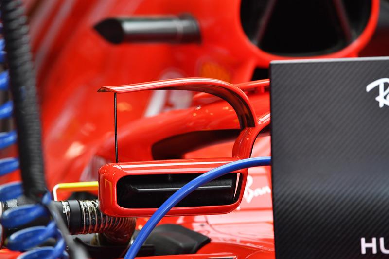 Ferrari SF-71H con espejo en halo, detalle