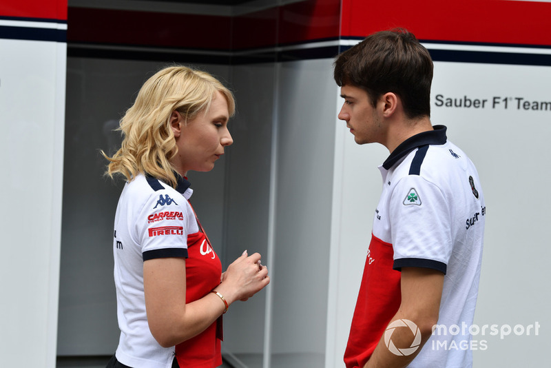 Charles Leclerc, Alfa Romeo Sauber F1 Team and Ruth Buscombe, Alfa Romeo Sauber F1 Team Race Strategist