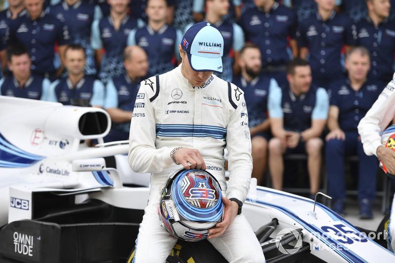 Otro de los que sale por la puerta de atrás de la F1. Williams contrató a Russell y a Kubica y Sirotkin se quedó sin asiento. Su dinero no fue suficiente, y fue 15º en su última carrera.