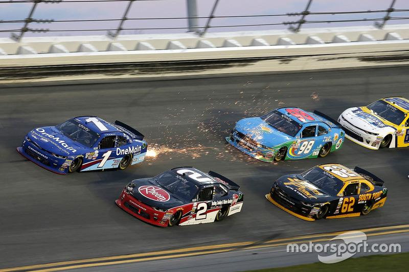 Austin Dillon, Richard Childress Racing, Chevrolet; Elliott Sadler, JR Motorsports, Chevrolet