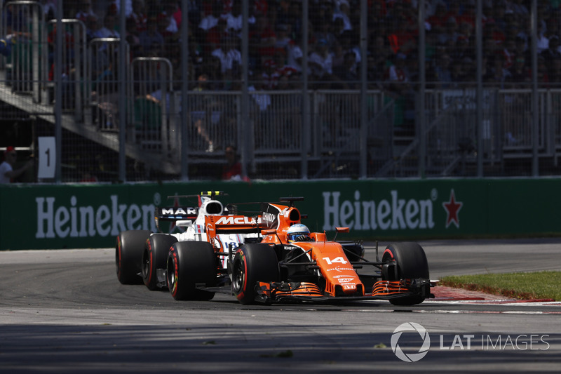 Сход. Фернандо Алонсо, McLaren-Honda