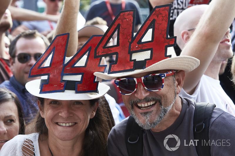 Fans of Lewis Hamilton, Mercedes AMG F1