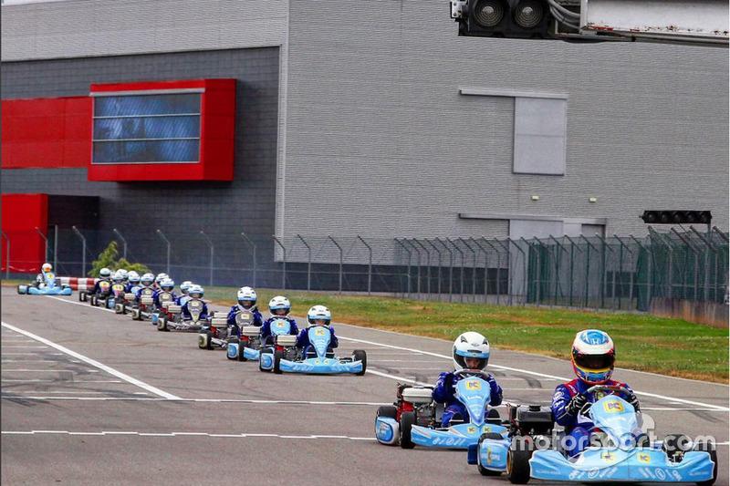 Museo Y Circuito Fernando Alonso : Circuito y museo fernando alonso karting campus at karting campus