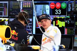 Max Verstappen, Red Bull Racing e Gianpiero Lambiase, ingegnere di pista Red Bull Racing