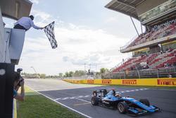 Sieg für Arjun Maini, Jenzer Motorsport