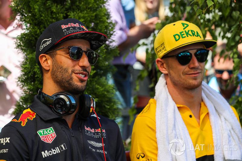 Daniel Ricciardo, Red Bull Racing y Nico Hulkenberg, Renault Sport F1 Team