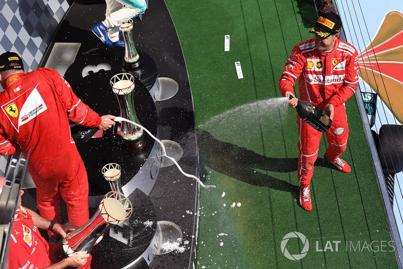 Подіум: переможець Себастьян Феттель, Ferrari