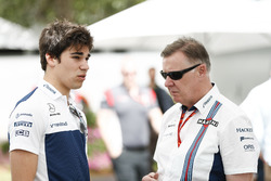 Lance Stroll, Williams, met Mike O' Driscoll, Group CEO, Williams