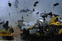 The crash of Takuma Sato, Jordan Honda